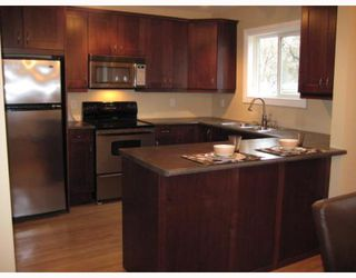 Photo 2: 434 OXFORD Street in WINNIPEG: River Heights / Tuxedo / Linden Woods Residential for sale (South Winnipeg)  : MLS®# 2907339