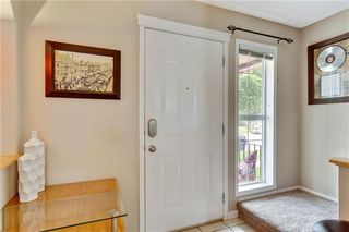 Photo 3: 955 PRESTWICK Circle SE in Calgary: McKenzie Towne Detached for sale : MLS®# C4257598