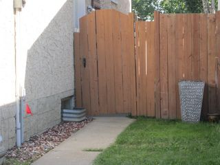 Photo 4: 3907 41 Avenue in Edmonton: Zone 29 House for sale : MLS®# E4166839