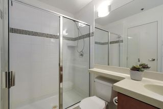 "Photo 13: 504 2655 CRANBERRY Drive in Vancouver: Kitsilano Condo for sale in ""New Yorker"" (Vancouver West)  : MLS®# R2403928"