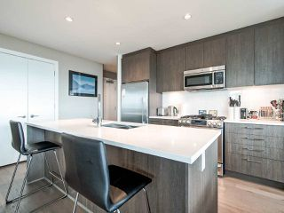 Photo 5: 1602 9060 UNIVERSITY Crescent in Burnaby: Simon Fraser Univer. Condo for sale (Burnaby North)  : MLS®# R2428248