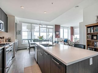 Photo 8: 1602 9060 UNIVERSITY Crescent in Burnaby: Simon Fraser Univer. Condo for sale (Burnaby North)  : MLS®# R2428248