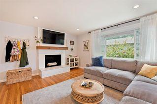 Photo 5: LA MESA House for sale : 3 bedrooms : 9550 Lakeview Dr