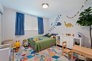 Photo 18: LA MESA House for sale : 3 bedrooms : 9550 Lakeview Dr