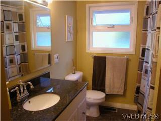 Photo 5: 513 Acland Ave in VICTORIA: Co Wishart North Single Family Detached for sale (Colwood)  : MLS®# 514216