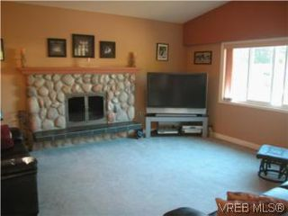 Photo 4: 513 Acland Ave in VICTORIA: Co Wishart North Single Family Detached for sale (Colwood)  : MLS®# 514216
