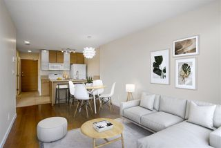 "Photo 3: 1306 909 MAINLAND Street in Vancouver: Yaletown Condo for sale in ""YALETOWN PARK 2"" (Vancouver West)  : MLS®# R2516846"