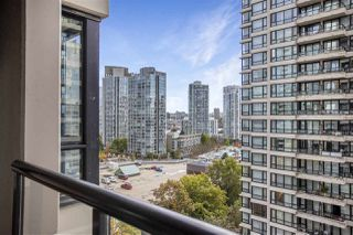 "Photo 13: 1306 909 MAINLAND Street in Vancouver: Yaletown Condo for sale in ""YALETOWN PARK 2"" (Vancouver West)  : MLS®# R2516846"