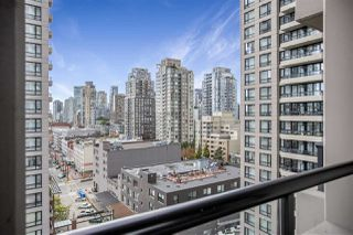 "Photo 12: 1306 909 MAINLAND Street in Vancouver: Yaletown Condo for sale in ""YALETOWN PARK 2"" (Vancouver West)  : MLS®# R2516846"