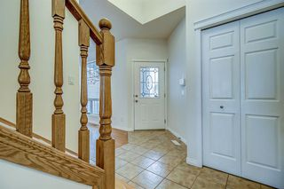 Photo 10: 96 Simcoe Close SW in Calgary: Signal Hill Detached for sale : MLS®# A1055067