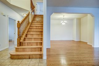 Photo 2: 96 Simcoe Close SW in Calgary: Signal Hill Detached for sale : MLS®# A1055067