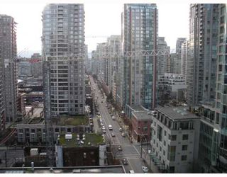 """Photo 2: 1303 822 HOMER Street in Vancouver: Downtown VW Condo for sale in """"GALIEO"""" (Vancouver West)  : MLS®# V802031"""