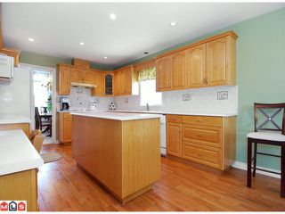 Photo 2: 8259 153RD Street in Surrey: Fleetwood Tynehead House for sale : MLS®# F1018297