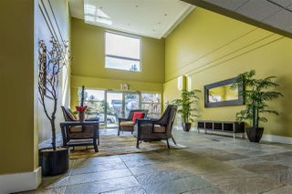 Photo 2: 360 5160 DAVIS BAY ROAD in Sechelt: Sechelt District Condo for sale (Sunshine Coast)  : MLS®# R2374296