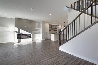 Photo 3: 8211 148 Street NW in Edmonton: Zone 10 House for sale : MLS®# E4198234