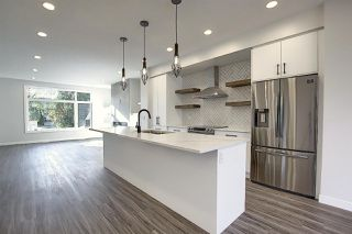 Photo 7: 8211 148 Street NW in Edmonton: Zone 10 House for sale : MLS®# E4198234