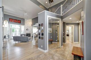 Photo 2: 335 DARLINGTON Crescent in Edmonton: Zone 20 House for sale : MLS®# E4203021