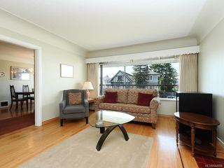 Photo 2: 1310 May St in Victoria: Vi Fairfield West Single Family Detached for sale : MLS®# 844886