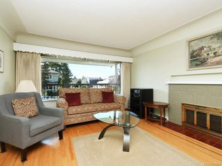 Photo 1: 1310 May St in Victoria: Vi Fairfield West Single Family Detached for sale : MLS®# 844886