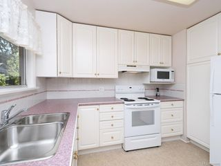 Photo 7: 1310 May St in Victoria: Vi Fairfield West Single Family Detached for sale : MLS®# 844886