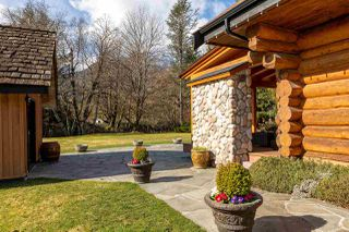 """Photo 18: 41379 DRYDEN Road in Squamish: Brackendale House for sale in """"Brackendale"""" : MLS®# R2484059"""