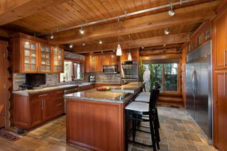 """Photo 4: 41379 DRYDEN Road in Squamish: Brackendale House for sale in """"Brackendale"""" : MLS®# R2484059"""