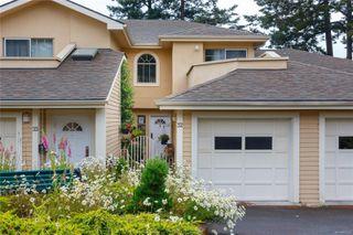 Photo 1: 32 909 Admirals Rd in : Es Esquimalt Row/Townhouse for sale (Esquimalt)  : MLS®# 854204