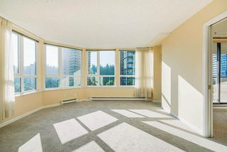 "Photo 7: 903 6152 KATHLEEN Avenue in Burnaby: Metrotown Condo for sale in ""EMBASSY"" (Burnaby South)  : MLS®# R2506354"
