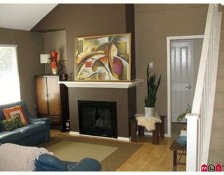 """Photo 3: 58 15968 82ND Avenue in Surrey: Fleetwood Tynehead Townhouse for sale in """"SHELBOURNE LANE"""" : MLS®# F2921099"""