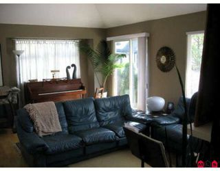 """Photo 5: 58 15968 82ND Avenue in Surrey: Fleetwood Tynehead Townhouse for sale in """"SHELBOURNE LANE"""" : MLS®# F2921099"""