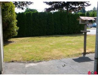 """Photo 2: 101 1884 MCCALLUM Road in Abbotsford: Central Abbotsford Manufactured Home for sale in """"GARDEN VILLAGE"""" : MLS®# F2922686"""