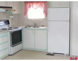 """Photo 5: 101 1884 MCCALLUM Road in Abbotsford: Central Abbotsford Manufactured Home for sale in """"GARDEN VILLAGE"""" : MLS®# F2922686"""