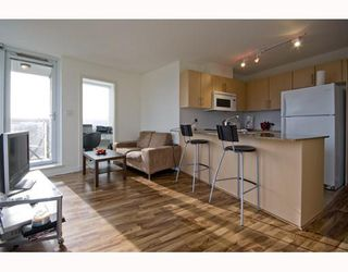 "Photo 2: 609 550 TAYLOR Street in Vancouver: Downtown VW Condo for sale in ""The Taylor"" (Vancouver West)  : MLS®# V804952"