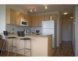 "Photo 7: 609 550 TAYLOR Street in Vancouver: Downtown VW Condo for sale in ""The Taylor"" (Vancouver West)  : MLS®# V804952"