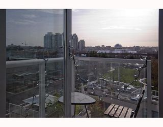 "Photo 5: 609 550 TAYLOR Street in Vancouver: Downtown VW Condo for sale in ""The Taylor"" (Vancouver West)  : MLS®# V804952"