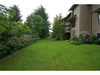 """Photo 10: 557 CARLSEN Place in Port Moody: North Shore Pt Moody Townhouse for sale in """"EAGLE POINT"""" : MLS®# V835962"""