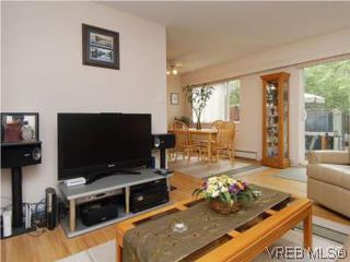 Photo 5: 3610 Tillicum Road in VICTORIA: SW Tillicum Townhouse for sale (Saanich West)  : MLS®# 280041