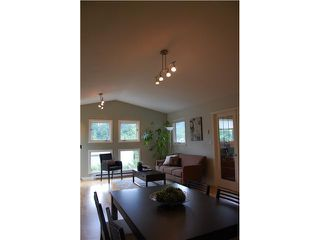 Main Photo: 303 1528 BOWSER Avenue in North Vancouver: Norgate Condo for sale : MLS®# V837537