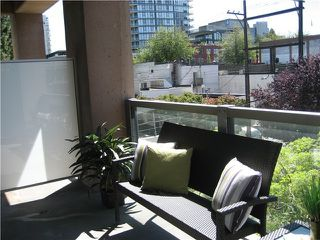 """Photo 6: 319 1529 W 6TH Avenue in Vancouver: False Creek Condo for sale in """"SOUTH GRANVILLE LOFTS"""" (Vancouver West)  : MLS®# V851772"""
