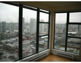 """Photo 6: 2107 939 HOMER Street in Vancouver: Downtown VW Condo for sale in """"THE PINNACLE"""" (Vancouver West)  : MLS®# V746950"""