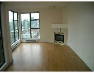 """Photo 7: 2107 939 HOMER Street in Vancouver: Downtown VW Condo for sale in """"THE PINNACLE"""" (Vancouver West)  : MLS®# V746950"""