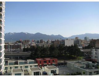 "Photo 2: 902 120 MILROSS Avenue in Vancouver: Mount Pleasant VE Condo for sale in ""THE BRIGHTON"" (Vancouver East)  : MLS®# V760243"