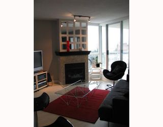 "Photo 3: 902 120 MILROSS Avenue in Vancouver: Mount Pleasant VE Condo for sale in ""THE BRIGHTON"" (Vancouver East)  : MLS®# V760243"