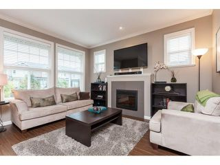 Photo 2: 1-20831 70 Ave in Langley: Willoughby Heights Townhouse for sale : MLS®# R2414199