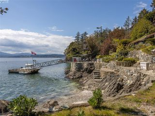 Photo 1: 11424 Chalet Rd in NORTH SAANICH: NS Deep Cove Single Family Detached for sale (North Saanich)  : MLS®# 838006