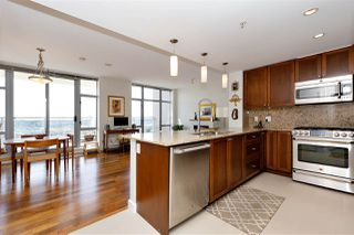 """Photo 10: 2303 280 ROSS Drive in New Westminster: Fraserview NW Condo for sale in """"THE CARLYLE"""" : MLS®# R2454366"""