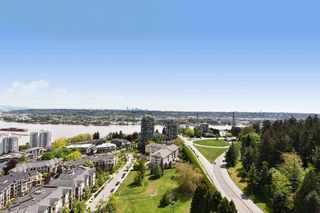 """Photo 12: 2303 280 ROSS Drive in New Westminster: Fraserview NW Condo for sale in """"THE CARLYLE"""" : MLS®# R2454366"""