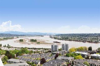 """Photo 3: 2303 280 ROSS Drive in New Westminster: Fraserview NW Condo for sale in """"THE CARLYLE"""" : MLS®# R2454366"""