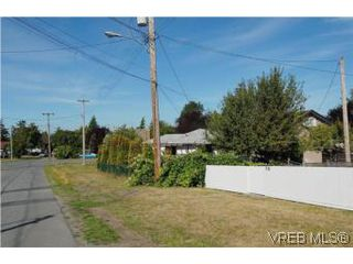 Photo 18: 56 Regina Avenue in VICTORIA: SW Gateway Single Family Detached for sale (Saanich West)  : MLS®# 267120