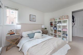 """Main Photo: 310 2025 STEPHENS Street in Vancouver: Kitsilano Condo for sale in """"Stephens Court"""" (Vancouver West)  : MLS®# R2463095"""